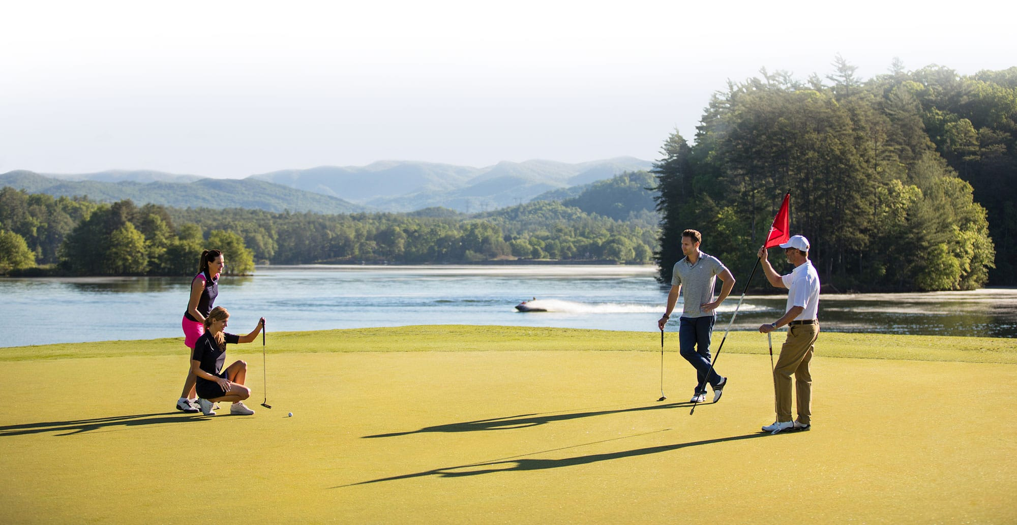 Members playing golf at Keowee Vineyards
